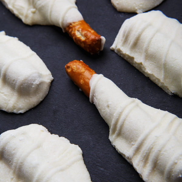 Mini Pretzels Dipped in White Chocolate - Sister Sweets-0